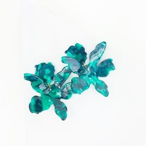 CLOSET REHAB Jewelry - RESTOCKED Paper Lily Earrings in Green